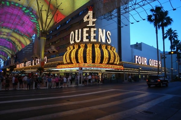 lg_four-queens-1